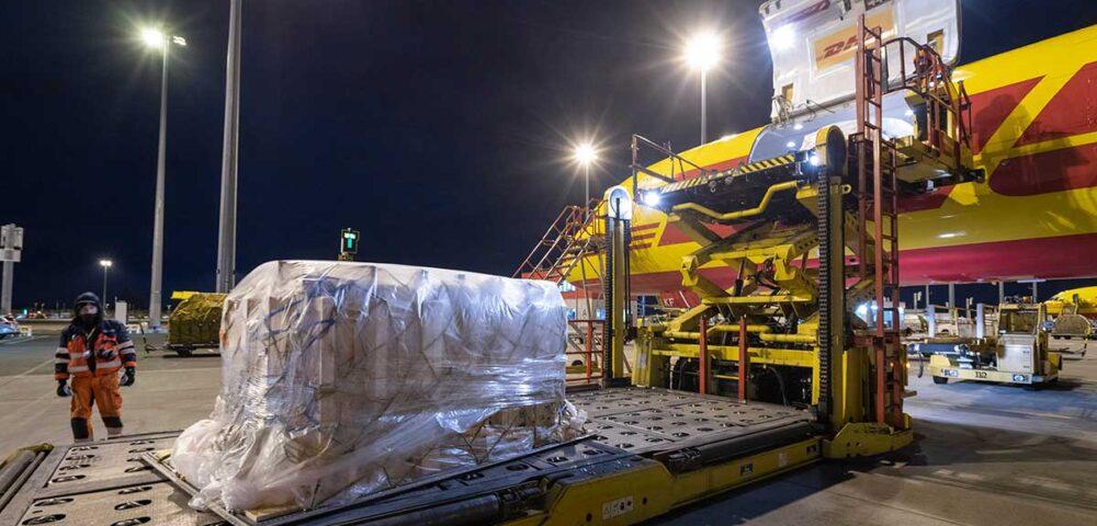 O papel vital da DHL Express na logística de distribuição europeia da vacina COVID-19
